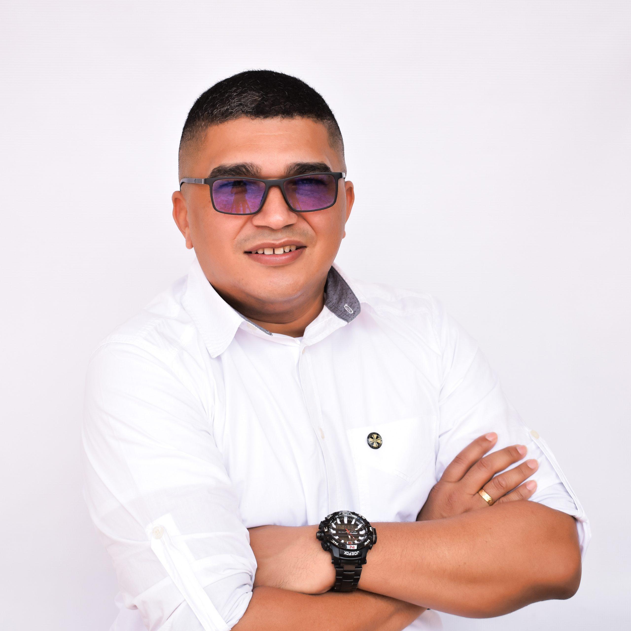 Luis Ariel Aroca Escorcia - Docente Sociales